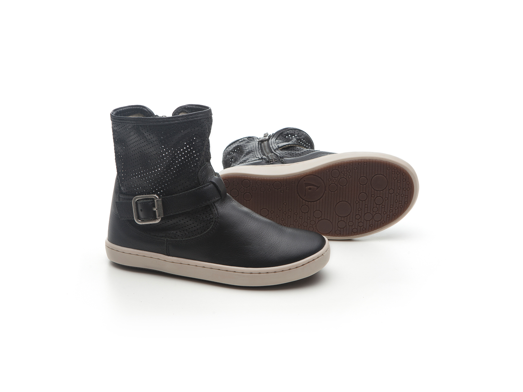 Bota Raw Black/ Black Holes  Junior 4 à 8 anos - 2